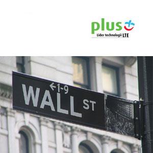 plus-wejdzie-w-sektor-bankowy